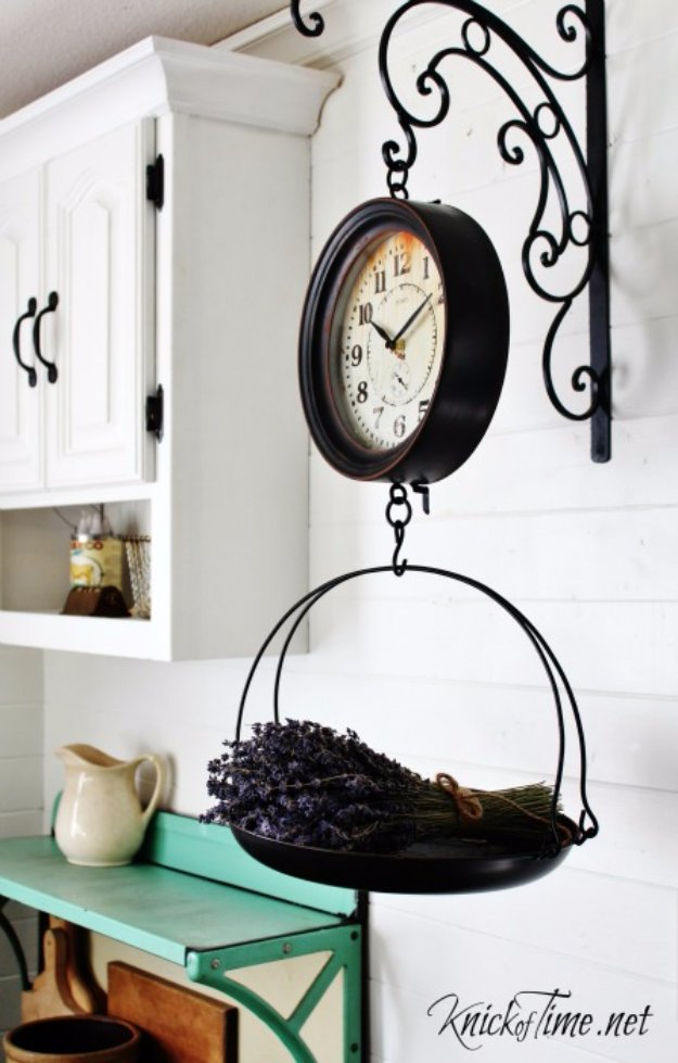 DIY Kitchen Decor Ideas - Vintage Grocery Hanging Scale Clock - Creative Furniture Projects, Accessories, Countertop Ideas, Wall Art, Storage, Utensils, Towels and Rustic Furnishings #diyideas #kitchenideass