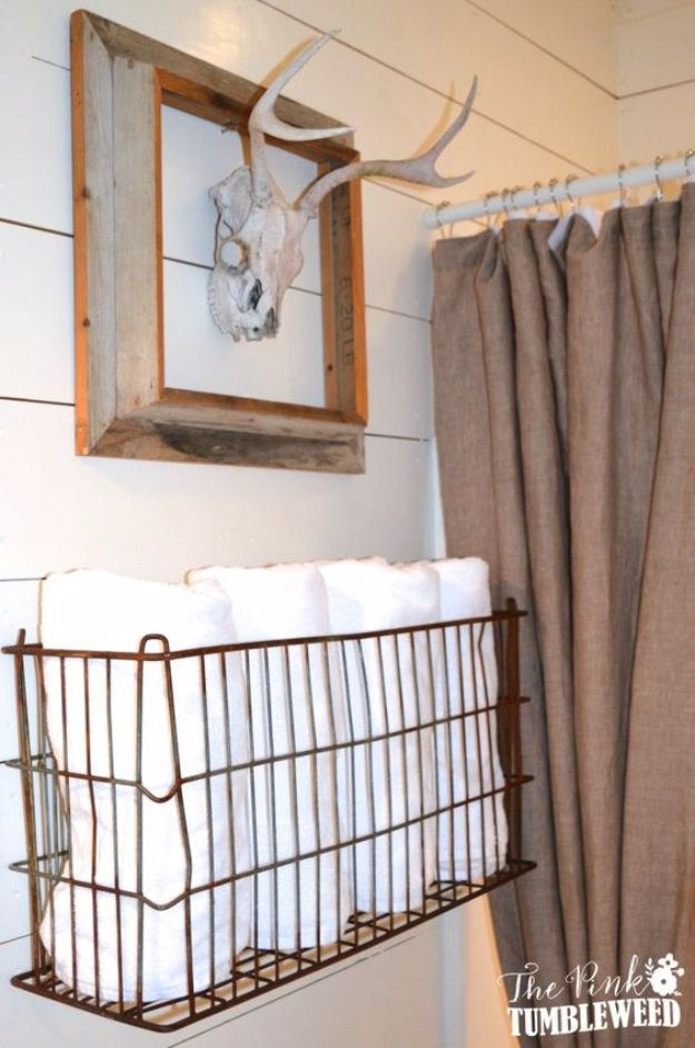 31 brilliant diy decor ideas for your bathroom page 5 of for Bathroom towel storage