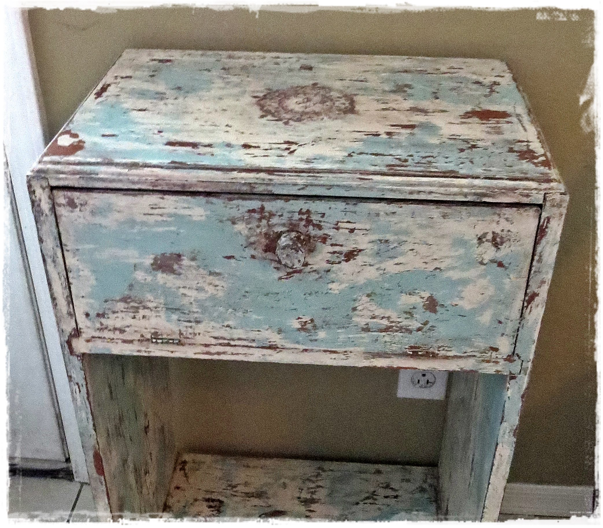 How to get a shabby chic distressed paint finish diy