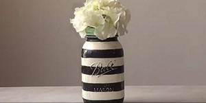 Easy Striped Mason Jar Tutorial is The Bomb!