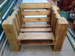 Outrageously Fabulous Pallet Chair… So Easy You Can Do it Yourself!