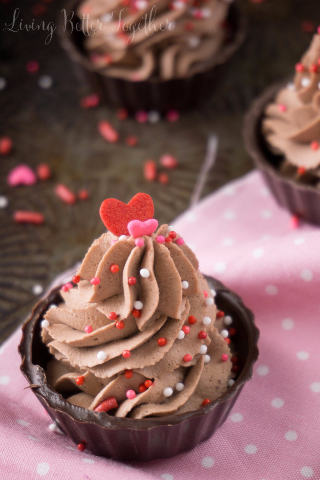 Last Minute Dessert Recipes and Ideas - 4 Ingredient Chocolate Mousse Cup - Healthy and Easy Ideas for No Bake Recipe Foods, Chocolate, Peanut Butter. Best Simple Ideas for Summer, For A Crowd and for Parties