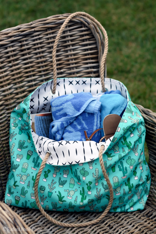 DIY Projects to Make and Sell on Etsy - Beach Tote Tutorial - Learn How To Make Money on Etsy With these Awesome, Cool and Easy Crafts and Craft Project Ideas - Cheap and Creative Crafts to Make and Sell for Etsy Shop #etsy #crafts
