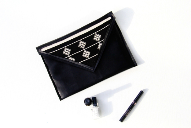 Sewing Crafts To Make and Sell - Black Faux Leather Clutch DIY - Easy DIY Sewing Ideas To Make and Sell for Your Craft Business. Make Money with these Simple Gift Ideas, Free Patterns, Products from Fabric Scraps, Cute Kids Tutorials #sewing #crafts
