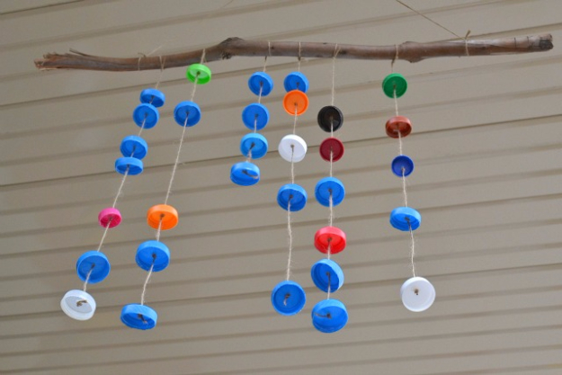 DIY Wind Chimes - Bottle Top Wind Chimes - Easy, Creative and Cool Windchimes Made from Wooden Beads, Pipes, Rustic Boho and Repurposed Items, Silverware, Seashells and More. Step by Step Tutorials and Instructions #windchimes #diygifts #diyideas #crafts