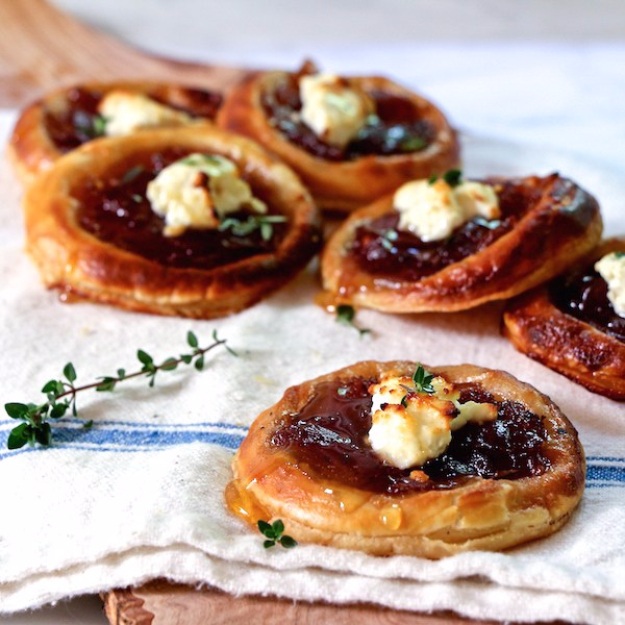 Last Minute Party Foods - Caramelized Onion And Feta Tartlets - Easy Appetizers, Simple Snacks, Ideas for 4th of July Parties, Cookouts and BBQ With Friends. Quick and Cheap Food Ideas for a Crowd#appetizers #recipes #party
