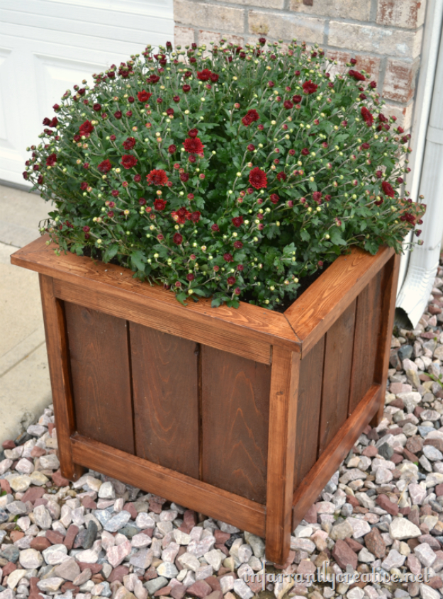 Creative DIY Planters - Cedar And Pine Planter Box - Best Do It Yourself Planters and Crafts You Can Make For Your Plants - Indoor and Outdoor Gardening Ideas - Cool Modern and Rustic Home and Room Decor for Planting With Step by Step Tutorials #gardening #diyplanters #diyhomedecor