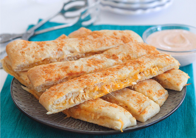 Last Minute Party Foods - Cheesy Chicken Taco Breadstick Dippers - Easy Appetizers, Simple Snacks, Ideas for 4th of July Parties, Cookouts and BBQ With Friends. Quick and Cheap Food Ideas for a Crowd#appetizers #recipes #party