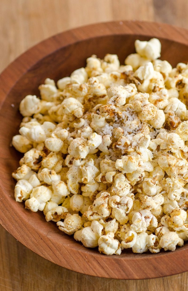 Last Minute Party Foods - Cheesy Spicy Popcorn - Easy Appetizers, Simple Snacks, Ideas for 4th of July Parties, Cookouts and BBQ With Friends. Quick and Cheap Food Ideas for a Crowd#appetizers #recipes #party