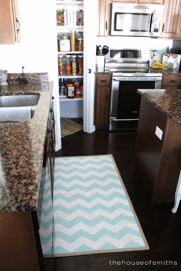 Easy DIY Rugs and Handmade Rug Making Project Ideas - Chevron Painted Rug From Ikea - Simple Home Decor for Your Floors, Fabric, Area, Painting Ideas, Rag Rugs, No Sew, Dropcloth and Braided Rug Tutorials http://diyjoy.com/diy-rugs-ideas