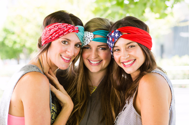 Cheap Crafts To Make and Sell - Chic Turban Headband - Inexpensive Ideas for DIY Craft Projects You Can Make and Sell On Etsy, at Craft Fairs, Online and in Stores. Quick and Cheap DIY Ideas that Adults and Even Teens Can Make on A Budget #diy #crafts #craftstosell #cheapcrafts