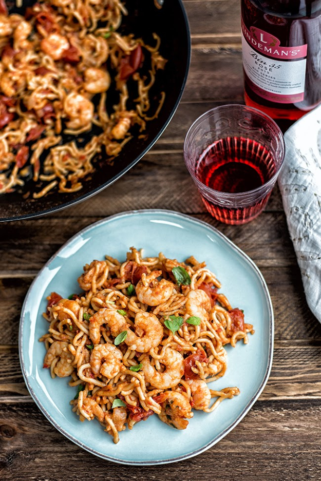 Last Minute Party Foods - Chili Prawn Noodles - Easy Appetizers, Simple Snacks, Ideas for 4th of July Parties, Cookouts and BBQ With Friends. Quick and Cheap Food Ideas for a Crowd#appetizers #recipes #party