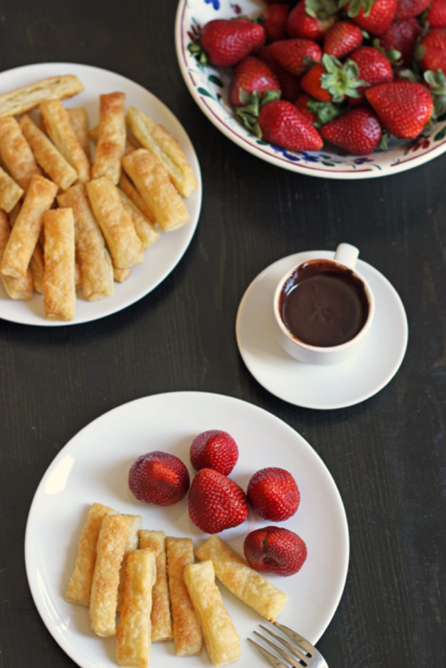 Last Minute Dessert Recipes and Ideas - Cinnamon Puffs With Chocolate Fondue - Healthy and Easy Ideas for No Bake Recipe Foods, Chocolate, Peanut Butter. Best Simple Ideas for Summer, For A Crowd and for Parties