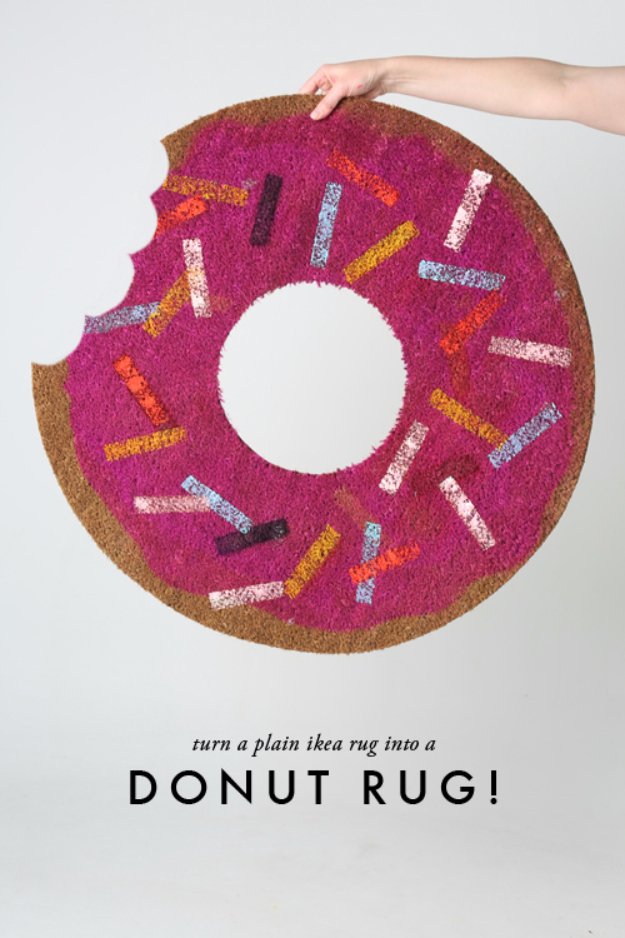 Easy DIY Rugs and Handmade Rug Making Project Ideas - DIY Donut Rug - Simple Home Decor for Your Floors, Fabric, Area, Painting Ideas, Rag Rugs, No Sew, Dropcloth and Braided Rug Tutorials