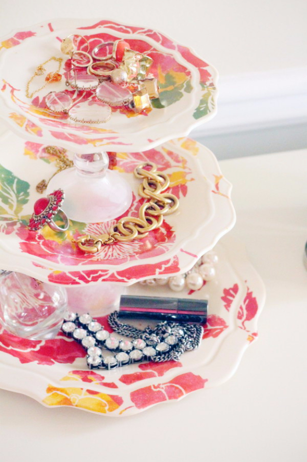 Cheap Crafts To Make and Sell - DIY Jewelry Tray - Inexpensive Ideas for DIY Craft Projects You Can Make and Sell On Etsy, at Craft Fairs, Online and in Stores. Quick and Cheap DIY Ideas that Adults and Even Teens Can Make on A Budget #diy #crafts #craftstosell #cheapcrafts