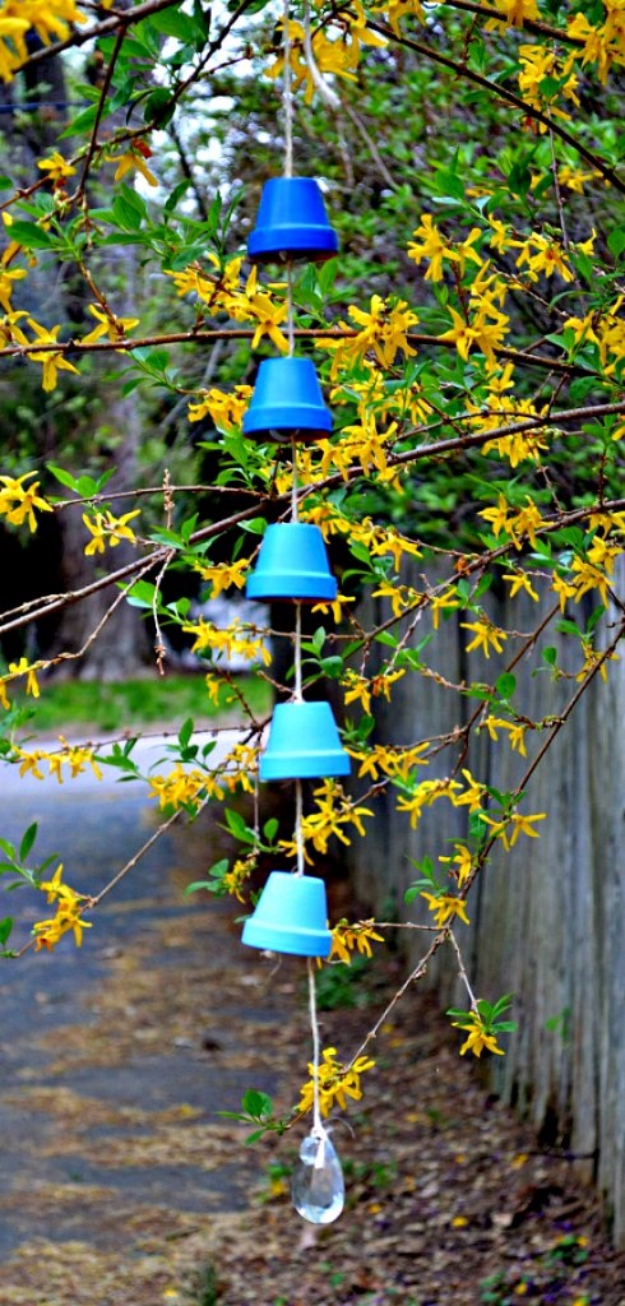 DIY Wind Chimes - DIY Ombre Wind Chimes - Easy, Creative and Cool Windchimes Made from Wooden Beads, Pipes, Rustic Boho and Repurposed Items, Silverware, Seashells and More. Step by Step Tutorials and Instructions #windchimes #diygifts #diyideas #crafts