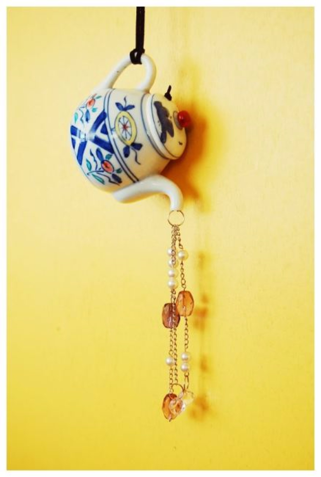 DIY Wind Chimes - DIY Teapot Suncatcher Wind Chimes - Easy, Creative and Cool Windchimes Made from Wooden Beads, Pipes, Rustic Boho and Repurposed Items, Silverware, Seashells and More. Step by Step Tutorials and Instructions #windchimes #diygifts #diyideas #crafts