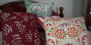 Learn How to Easily Make Envelope Throw Pillows For Your Sofa Or Bed!