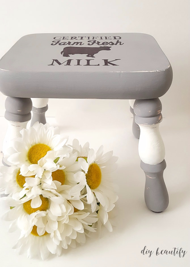 DIY Farmhouse Style Decor Ideas - Farmhouse Style Stool - Creative Rustic Ideas for Cool Furniture, Paint Colors, Farm House Decoration for Living Room, Kitchen and Bedroom #diy #diydecor #farmhouse #countrycrafts