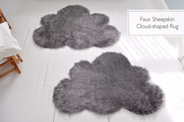 Easy DIY Rugs and Handmade Rug Making Project Ideas - Faux Sheepskin Cloud Rug - Simple Home Decor for Your Floors, Fabric, Area, Painting Ideas, Rag Rugs, No Sew, Dropcloth and Braided Rug Tutorials