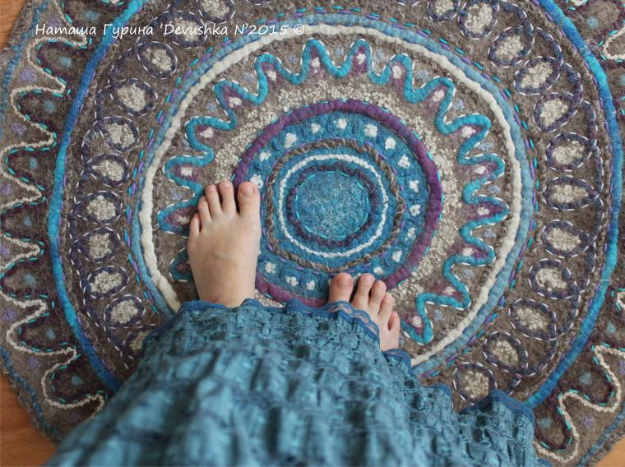 Easy DIY Rugs and Handmade Rug Making Project Ideas - Felted Carpet Tutorial - Simple Home Decor for Your Floors, Fabric, Area, Painting Ideas, Rag Rugs, No Sew, Dropcloth and Braided Rug Tutorials