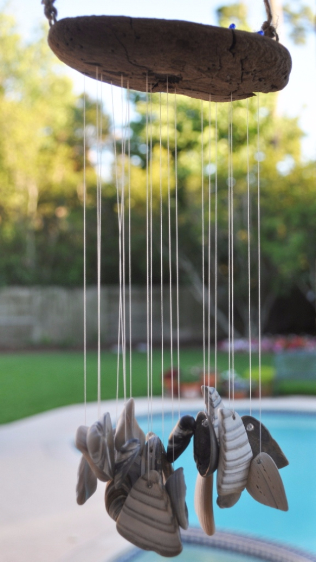 DIY Wind Chimes - Feng Shui Wind Chimes - Easy, Creative and Cool Windchimes Made from Wooden Beads, Pipes, Rustic Boho and Repurposed Items, Silverware, Seashells and More. Step by Step Tutorials and Instructions #windchimes #diygifts #diyideas #crafts