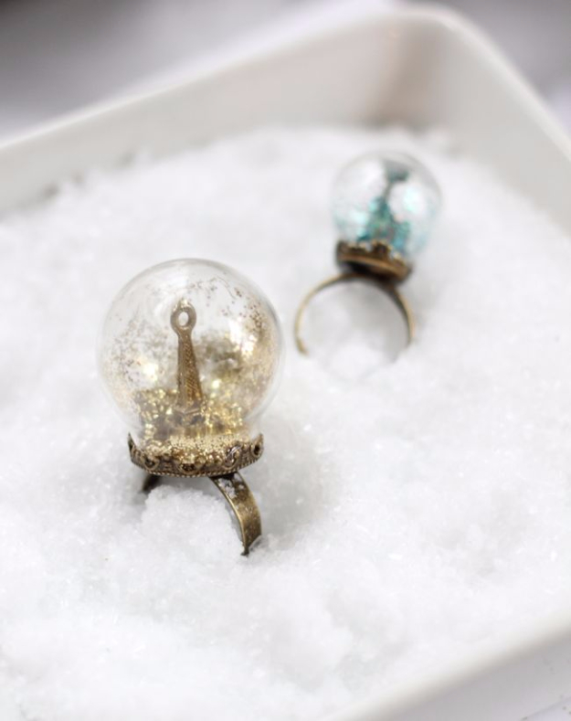DIY Projects for Teenagers - Glitter Snow Globe Ring - Cool Teen Crafts Ideas for Bedroom Decor, Gifts, Clothes and Fun Room Organization. Summer and Awesome School Stuff