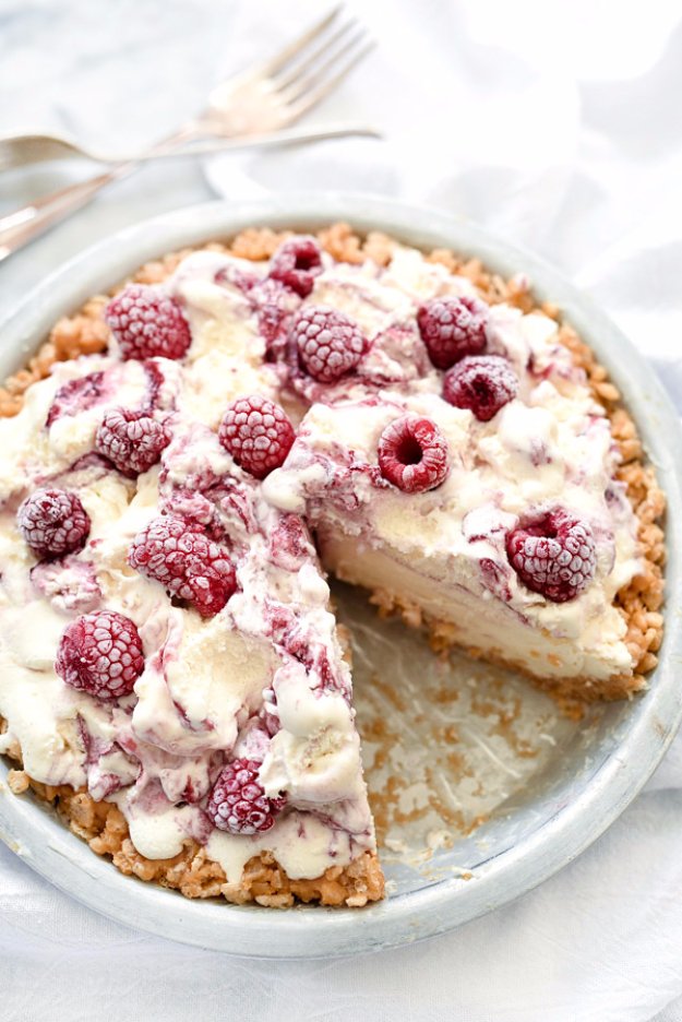 Last Minute Dessert Recipes and Ideas - Ice Cream Pie With Peanut Butter Krispie Crust - Healthy and Easy Ideas for No Bake Recipe Foods, Chocolate, Peanut Butter. Best Simple Ideas for Summer, For A Crowd and for Parties