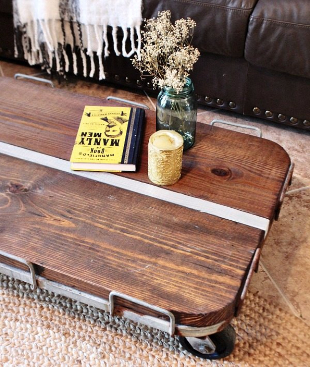 DIY Farmhouse Style Decor Ideas - Industrial Cart Coffee Table DIY - Creative Rustic Ideas for Cool Furniture, Paint Colors, Farm House Decoration for Living Room, Kitchen and Bedroom #diy #diydecor #farmhouse #countrycrafts
