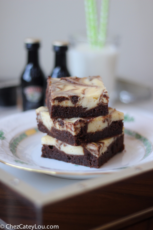 Last Minute Dessert Recipes and Ideas - Irish Cream Cheesecake Brownies - Healthy and Easy Ideas for No Bake Recipe Foods, Chocolate, Peanut Butter. Best Simple Ideas for Summer, For A Crowd and for Parties