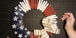 How Utterly Genius & Stunning This Patriotic Clothespin Wreath Is!