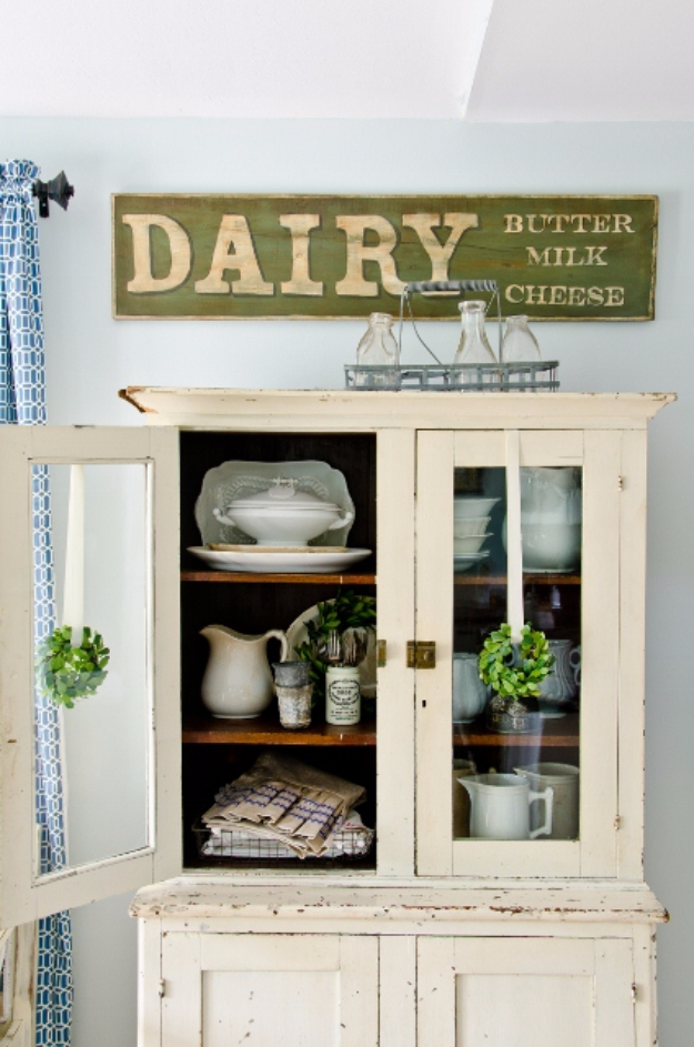DIY Farmhouse Style Decor Ideas - Make An Antique Sign - Creative Rustic Ideas for Cool Furniture, Paint Colors, Farm House Decoration for Living Room, Kitchen and Bedroom #diy #diydecor #farmhouse #countrycrafts