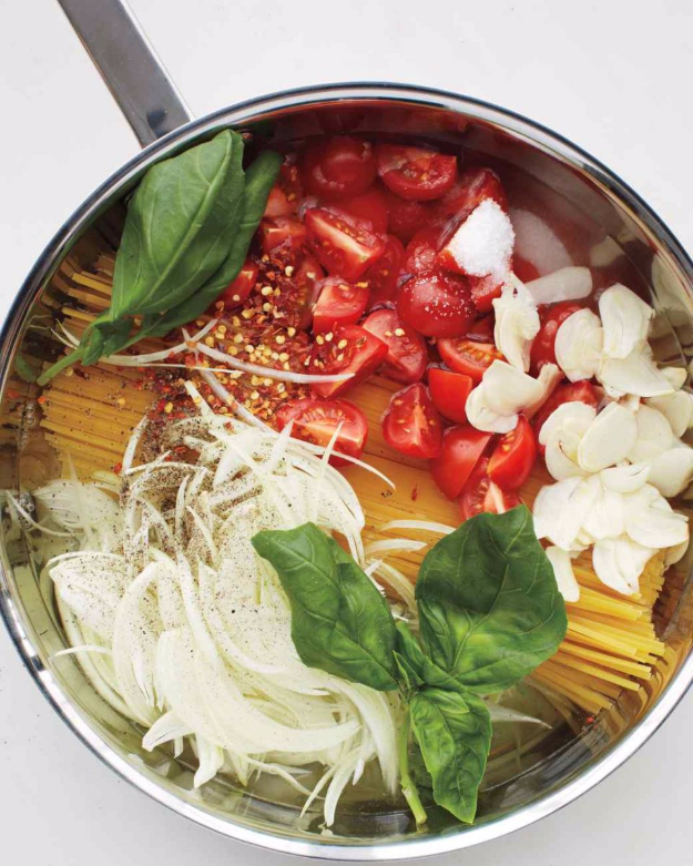 Last Minute Party Foods - One Pan Pasta - Easy Appetizers, Simple Snacks, Ideas for 4th of July Parties, Cookouts and BBQ With Friends. Quick and Cheap Food Ideas for a Crowd#appetizers #recipes #party