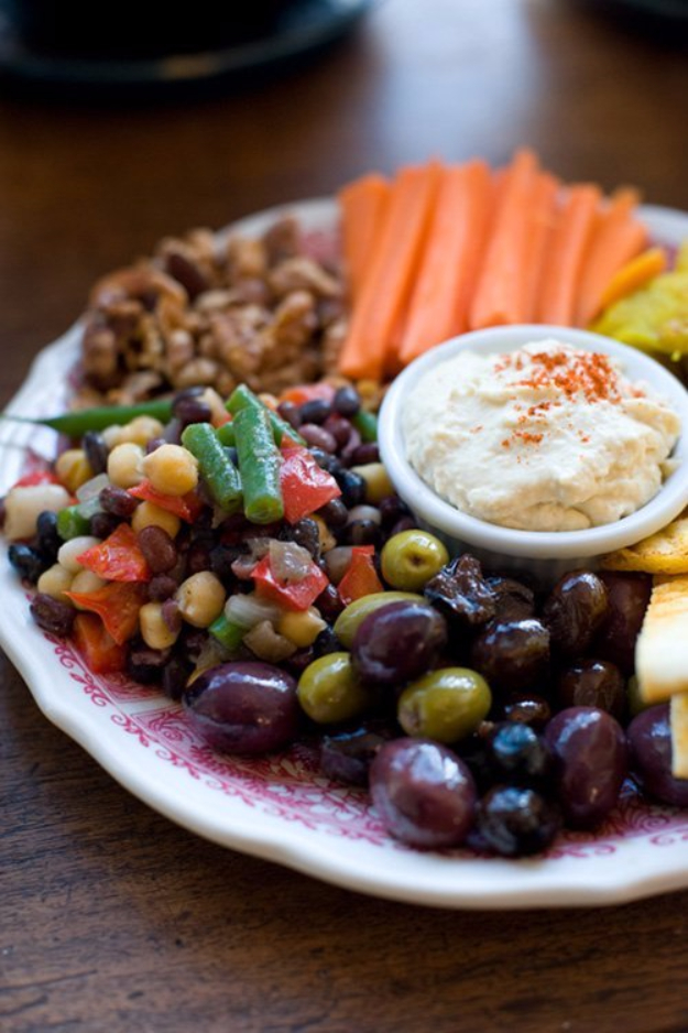 Last Minute Party Foods - Ortines Mediterranean Platter - Easy Appetizers, Simple Snacks, Ideas for 4th of July Parties, Cookouts and BBQ With Friends. Quick and Cheap Food Ideas for a Crowd#appetizers #recipes #party