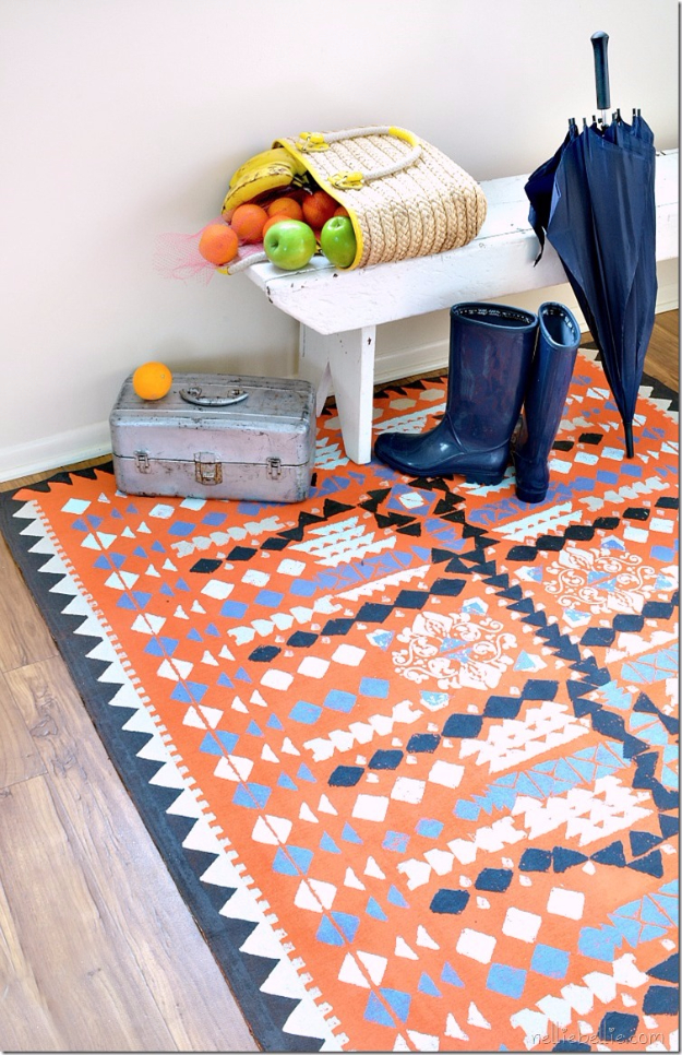 Easy DIY Rugs and Handmade Rug Making Project Ideas - Painted Dropcloth Rug - Simple Home Decor for Your Floors, Fabric, Area, Painting Ideas, Rag Rugs, No Sew, Dropcloth and Braided Rug Tutorials
