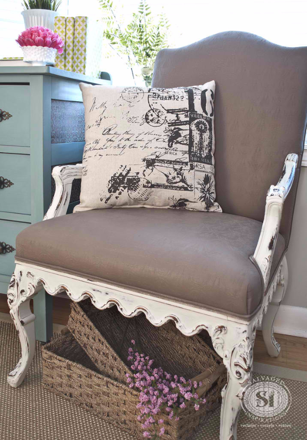 Painting FabDIY Seating Ideas - Painting Fabric With Chalk Style Paints - Creative Indoor Furniture, Chairs and Easy Seat Projects for Living Room, Bedroom, Dorm and Kids Room. Cheap Projects for those On A Budget. Tutorials for Cushions, No Sew Covers and Benches