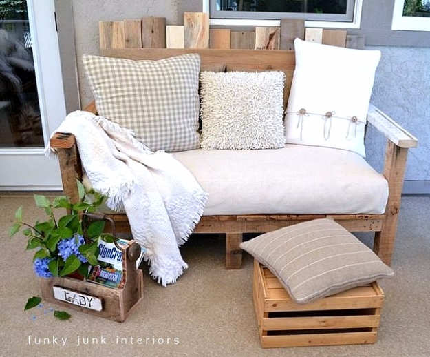 DIY Sofas and Couches - Pallet Wood Outdoor Sofa - Easy and Creative Furniture and Home Decor Ideas - Make Your Own Sofa or Couch on A Budget - Makeover Your Current Couch With Slipcovers, Painting and More. Step by Step Tutorials and Instructions #diy #furniture