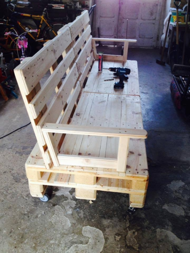 DIY Sofas and Couches - Pallet Wooden Sofa On Wheels - Easy and Creative Furniture and Home Decor Ideas - Make Your Own Sofa or Couch on A Budget - Makeover Your Current Couch With Slipcovers, Painting and More. Step by Step Tutorials and Instructions http://diyjoy.com/diy-sofas-couches