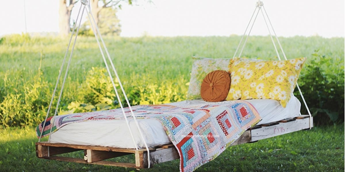 DIY Swings - Summer And Fall Pallet Bed Swing - Best Do It Yourself Swing Projects and Tutorials for Tire, Rocking, Hanging, Double Seat, Porch, Patio and Yard. Easy Ideas for Kids and Adults - Make The Best Backyard Ever This Summer With These Awesome Seating and Play Ideas for Swings - Creative Home Decor and Crafts by DIY JOY