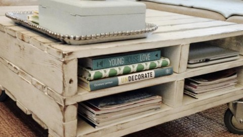 DIY Pallet Table On Wheels | DIY Joy Projects and Crafts Ideas
