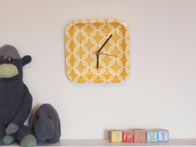 Cheap Crafts To Make and Sell - Paper Plate Clock - Inexpensive Ideas for DIY Craft Projects You Can Make and Sell On Etsy, at Craft Fairs, Online and in Stores. Quick and Cheap DIY Ideas that Adults and Even Teens Can Make on A Budget #diy #crafts #craftstosell #cheapcrafts