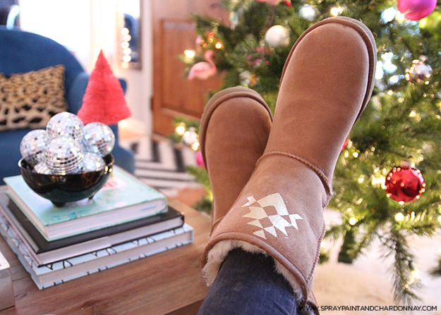 DIY Projects for Teenagers - Personalized Uggs - Cool Teen Crafts Ideas for Bedroom Decor, Gifts, Clothes and Fun Room Organization. Summer and Awesome School Stuff