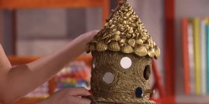 DIY Unusual And Extremely Detailed Birdhouse Is Easy To Make!