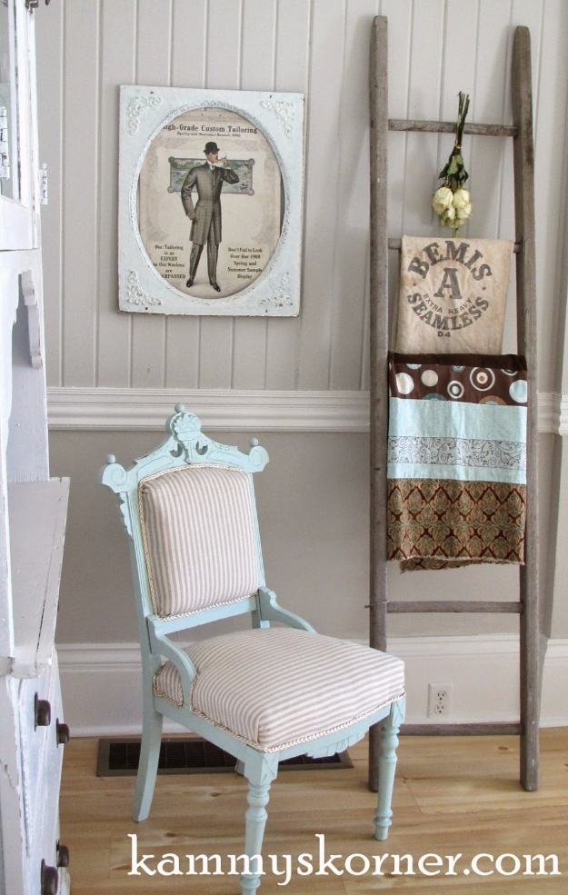 41 More DIY Farmhouse Style Decor Ideas - Rustic Ladder Vignette - Creative Rustic Ideas for Cool Furniture, Paint Colors, Farm House Decoration for Living Room, Kitchen and Bedroom http://diyjoy.com/diy-farmhouse-decor-projects