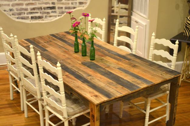 DIY Dining Room Table Projects - Shipping Pallet Dining Table - Creative Do It Yourself Tables and Ideas You Can Make For Your Kitchen or Dining Area. Easy Step by Step Tutorials that Are Perfect For Those On A Budget #diyfurniture #diningroom