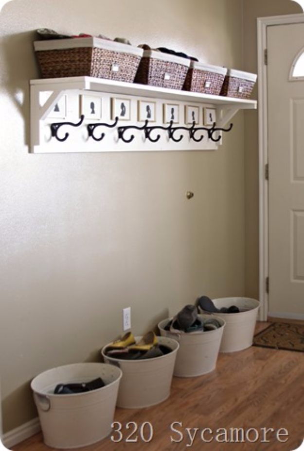 DIY Ideas for Your Entry - Simple Entryway Solution - Cool and Creative Home Decor or Entryway and Hall. Modern, Rustic and Classic Decor on a Budget. Impress House Guests and Fall in Love With These DIY Furniture and Wall Art Ideas #diydecor #diyhomedecor