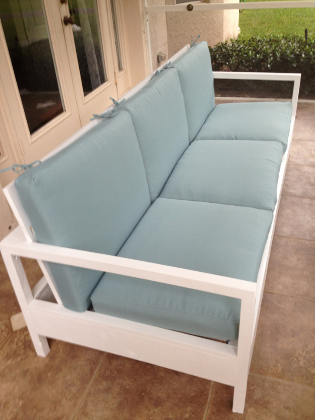 DIY Sofas and Couches - Simple White Patio Sofa - Easy and Creative Furniture and Home Decor Ideas - Make Your Own Sofa or Couch on A Budget - Makeover Your Current Couch With Slipcovers, Painting and More. Step by Step Tutorials and Instructions #diy #furniture