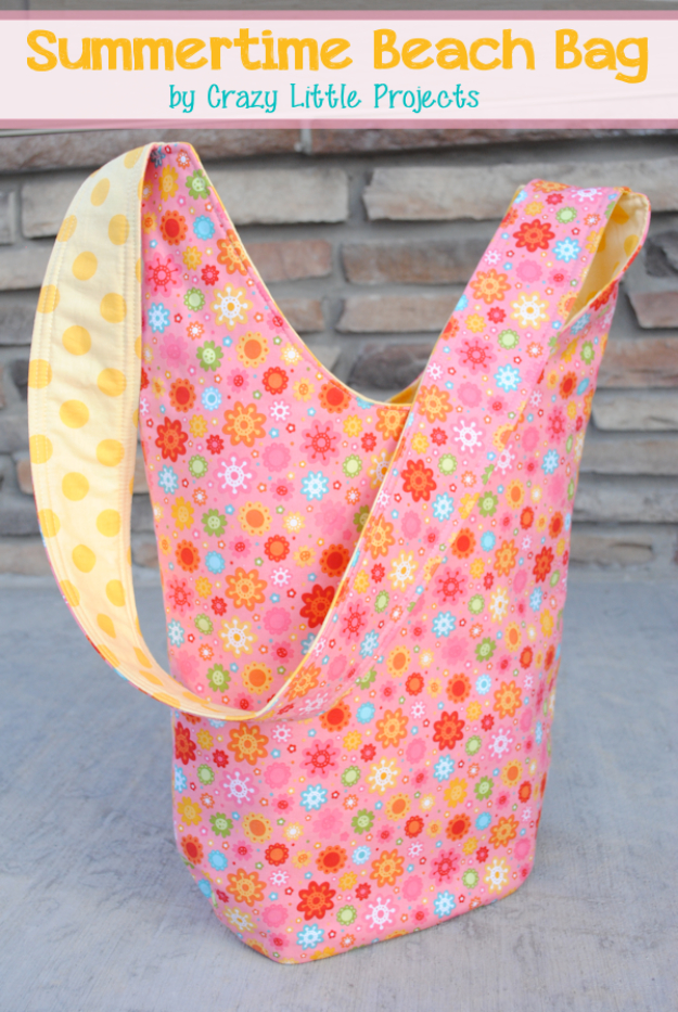 Sewing Crafts To Make and Sell - Summertime Beach Bag Tote - Easy DIY Sewing Ideas To Make and Sell for Your Craft Business. Make Money with these Simple Gift Ideas, Free Patterns, Products from Fabric Scraps, Cute Kids Tutorials #sewing #crafts