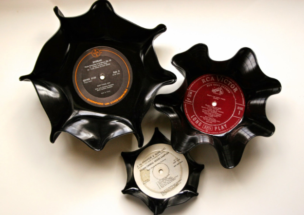 DIY Projects for Teenagers - Vinyl Record Bowls - Cool Teen Crafts Ideas for Bedroom Decor, Gifts, Clothes and Fun Room Organization. Summer and Awesome School Stuff