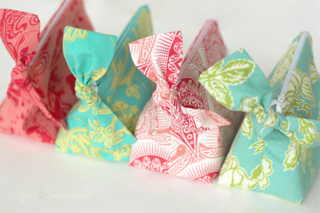 Sewing Crafts To Make and Sell - Zippered Pouches - Easy DIY Sewing Ideas To Make and Sell for Your Craft Business. Make Money with these Simple Gift Ideas, Free Patterns, Products from Fabric Scraps, Cute Kids Tutorials #sewing #crafts
